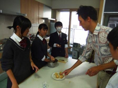 chu13114Cooking4.jpg